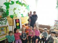 10 февраля в детском саду прошла встреча воспитанников с инспектором ГИБДД